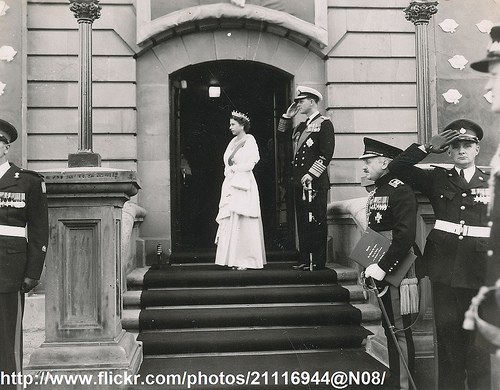 Queen Elizabeth in NZ parliament