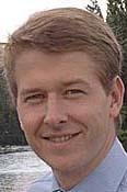 Mr Robin Walker MP